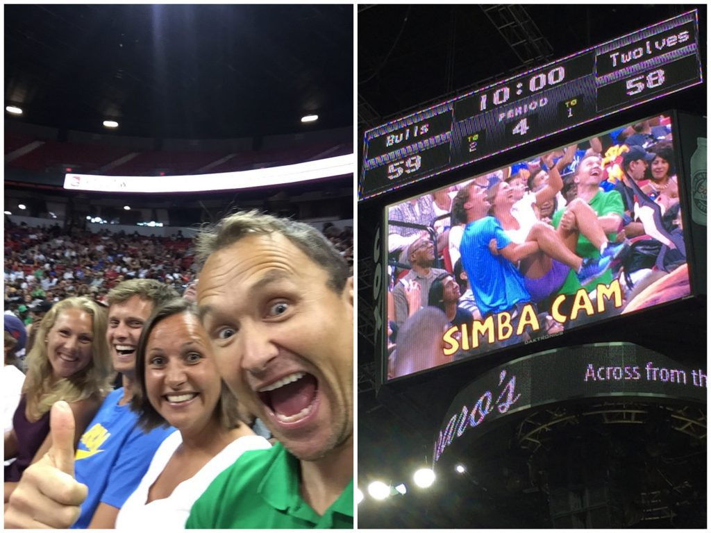 God stemning Nordmenn med Selfie og Simba Cam