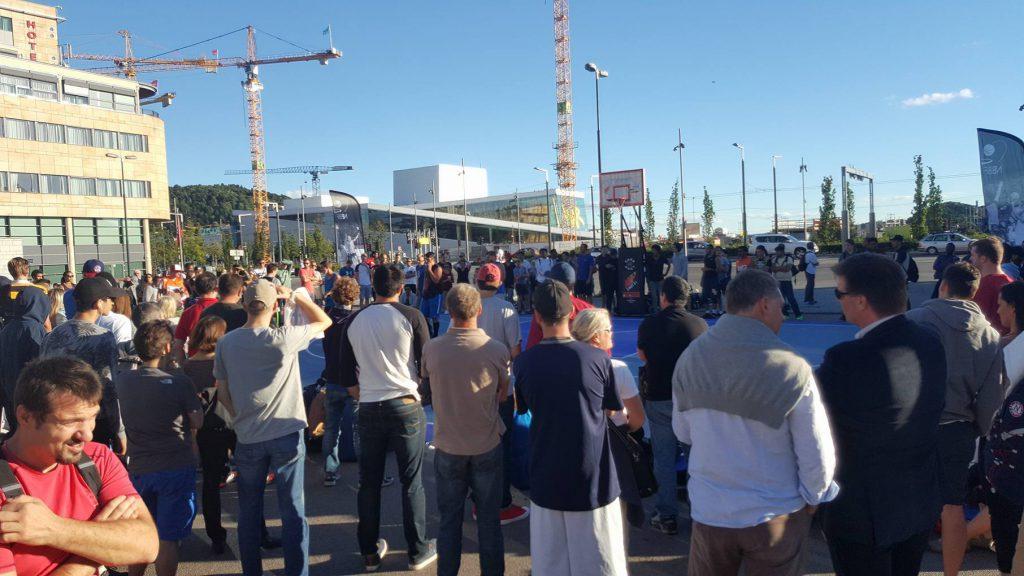 Det var rikelig med folk på Oslo S 3. september for å få med seg 3x3-finalene og slam dunk-konkurransen. Foto: Emmanuel Davies
